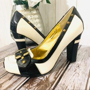 Naughty Monkey black white and gold loafer pumps